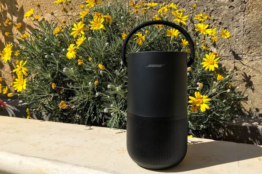 Bose Portable Home Speaker - cassa portatile in giardino e a bordo piscina