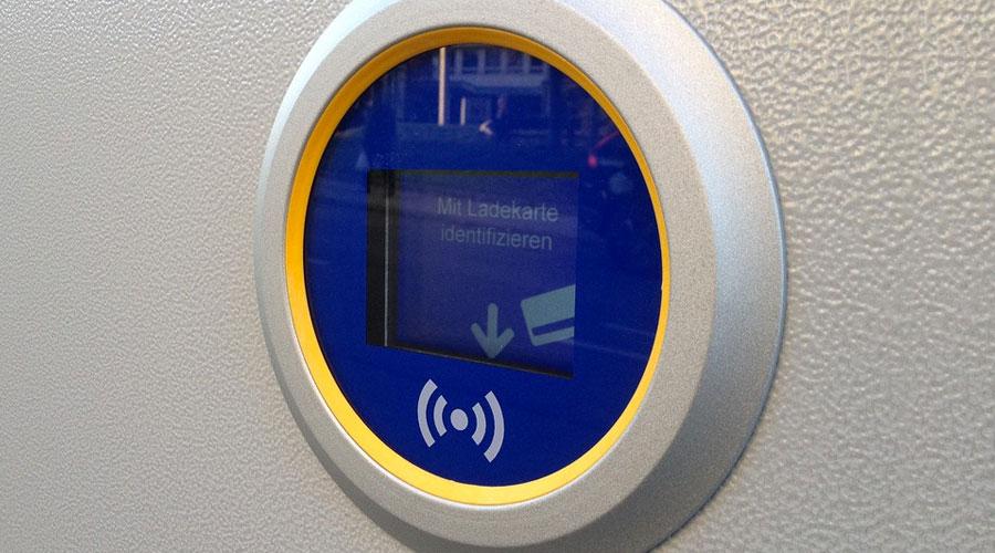 Colonnina con tecnologia NFC
